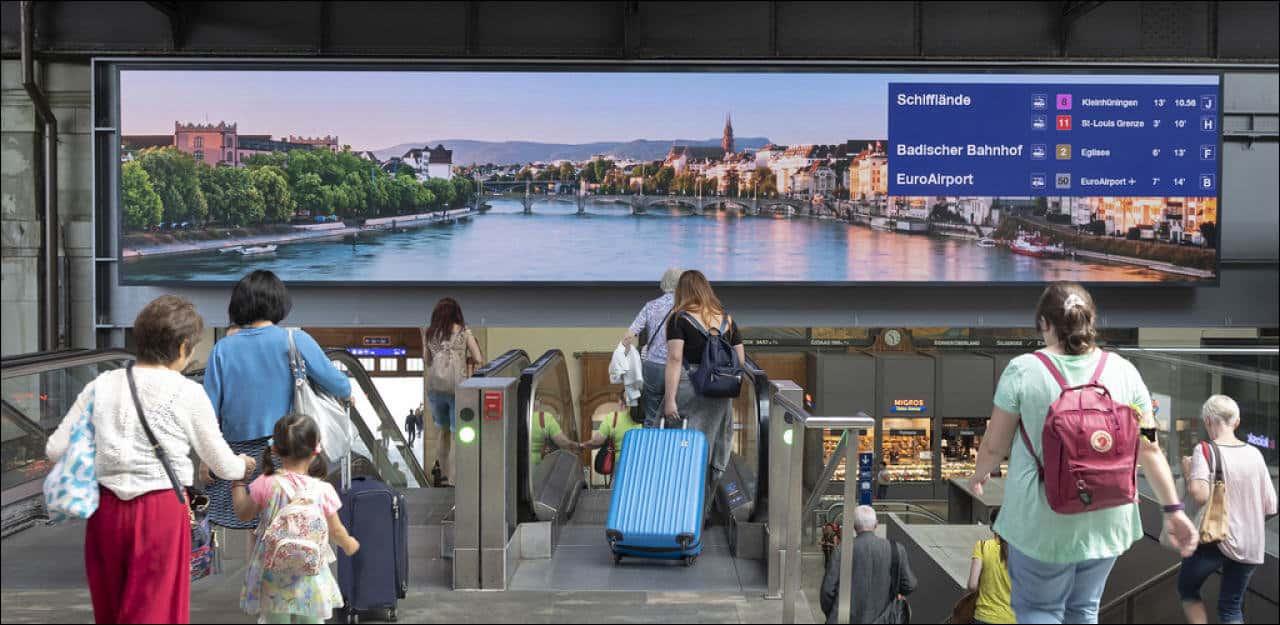Anzeigetafel Basel Bahnhof